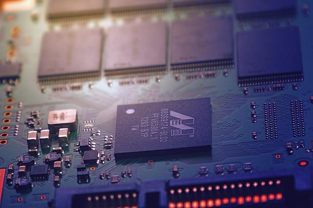 Deska s čipy