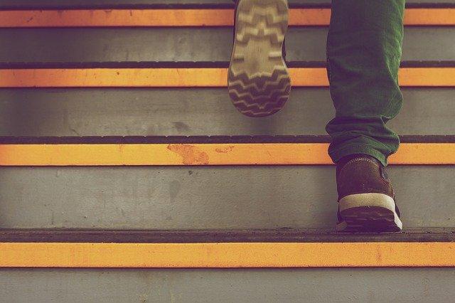 chůze do schodů.jpg